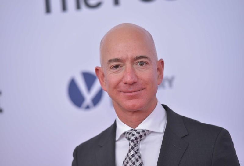 Unique Style of Jeff Bezos leadership style